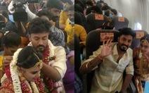 Thuê máy bay làm đám cưới trên không để né quy định chống dịch