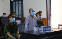 Dùng búa đinh đánh con dâu và cháu nội, lãnh 16 năm tù