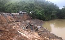 Sạt lở nghiêm trọng đường ven sông Krông Nô