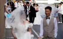 Trung Quốc cho phép sinh 3 con, các công ty 'mẹ và bé' trúng đậm