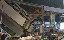 Kinh hoàng sập cầu vượt metro ở thủ đô Mexico, ít nhất 20 người chết