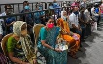 Dịch tăng cuồn cuộn, kinh tế Ấn Độ vẫn có thể ổn lại từ tháng 9?