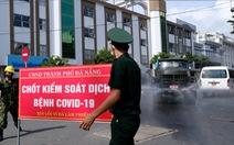 Quân đội phun hóa chất sát khuẩn quanh vũ trường New Phương Đông, Đà Nẵng