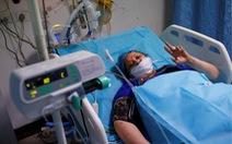 Bác sĩ Ấn Độ ở Mỹ 'lòng như lửa đốt', tiếp sức quê nhà từ xa
