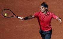 Tái xuất ở Grand Slam sau hơn 1 năm vắng bóng, Roger Federer thắng ấn tượng