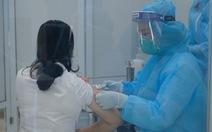 Hà Nội chấn chỉnh văn bản 'phải trả phí tiêm vắc xin'