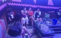 Bất chấp lệnh cấm, quán karaoke vẫn mở cho khách hát, sử dụng ma túy