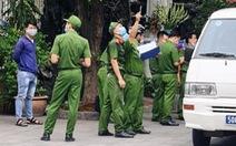 Một căn nhà ở phường Tân Định nghi bị bắn súng nhiều lần
