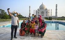 Đền Taj Mahal mở cửa đón khách lại giữa đại dịch