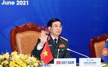 Bộ trưởng Quốc phòng Phan Văn Giang đề cập Biển Đông và nhân đạo với ngư dân