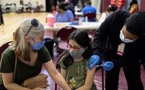 Trẻ em ít mắc COVID-19, vì sao nhiều nước vẫn cho tiêm vắc xin?