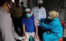 Hơn 350 bác sĩ Indonesia mắc COVID-19 dù đã tiêm vắc xin