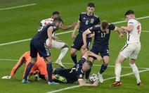 Màn tranh chấp bóng hài hước của dàn cầu thủ trị giá hàng tỉ euro