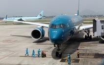 Dỡ bỏ 'lệnh' dừng nhập cảnh sân bay Tân Sơn Nhất và Nội Bài