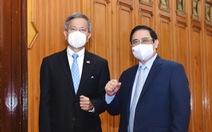 Thủ tướng đề nghị Singapore chia sẻ kinh nghiệm, hợp tác vắc xin