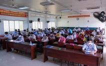Sau giáo viên và cán bộ coi thi, Vĩnh Long sẽ tiêm vắc xin cho các hộ nghèo