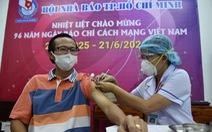 Các nhà báo TP.HCM được tiêm vắc xin COVID-19