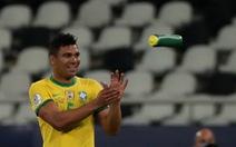 Casemiro ghi bàn phút 90+10 giúp Brazil thắng ngược Colombia