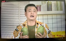 Tự Long hát 'Lụt từ ngã tư đường phố' tặng khách hàng chốt đơn 10 thùng nông sản