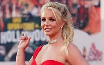 Britney Spears - nữ thần và vật tế