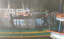 Hải quân cứu hàng chục tàu cá khỏi hỏa hoạn trong đêm
