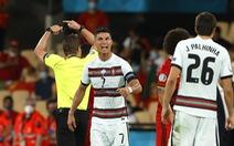 Video: Bồ Đào Nha thủng lưới sau khi Ronaldo bị thủ môn qua người
