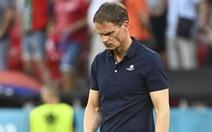 HLV De Boer từ chức sau khi tuyển Hà Lan bị loại sớm ở Euro 2020