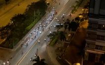 Hàng trăm 'quái xế' nẹt pô, phóng vun vút trên đường ở quận 7