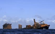 Tàu container cháy 2 tuần liền, đang chìm xuống biển ngoài khơi Sri Lanka