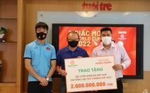Tập đoàn Hưng Thịnh trao 2 tỉ đồng cho tuyển Việt Nam