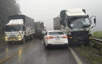 9 xe tông liên hoàn trên quốc lộ 6 do sương mù dày đặc