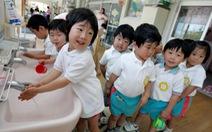 Nhật Bản đón kỷ lục buồn về số ca sinh, nỗi lo thiếu lao động kéo dài