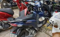 Bắt 2 kẻ chích điện cô gái rồi cướp xe máy ở Bình Tân