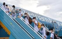 Hơn 300 giảng viên, sinh viên y Hải Dương bay vào TP.HCM chống dịch