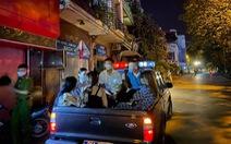 Đột kích, phát hiện hàng chục 'dân chơi' tụ tập ở quán karaoke không phép