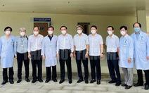 Bí thư Nguyễn Văn Nên kiểm tra Bệnh viện Hồi sức COVID-19 trước giờ hoạt động