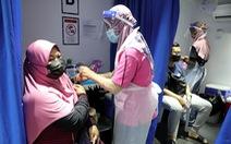 Malaysia đóng trung tâm tiêm chủng có hơn 200 nhân viên dương tính