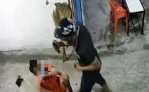 Truy xét kẻ cướp 2 điện thoại của 2 em nhỏ ngồi trước nhà ở Hóc Môn