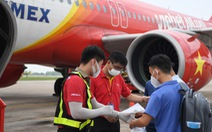 Vietjet đưa nhân viên y tế vào TP.HCM hỗ trợ chống dịch