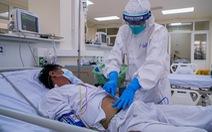 Bệnh nhân COVID-19 rất nặng, loạn thần được điều trị qua cơn nguy kịch