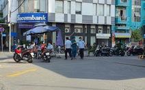 Quận Phú Nhuận phản hồi vụ đi ra ATM rút tiền mua đồ ăn bị phạt 1 triệu đồng