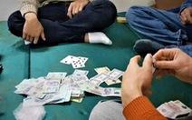 Đang giãn cách chống dịch mức 'nguy cơ rất cao', 12 người tụ tập đánh bài ăn tiền