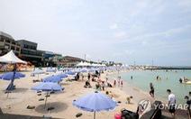 Du khách Hàn Quốc đổ ra đảo Jeju bất chấp dịch, 34.000 khách/ngày
