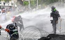 Cảnh sát Thái Lan đụng độ người biểu tình