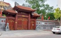 Đền Mẫu ở Thái Bình mở khóa lễ khi đang chống dịch, xua đuổi người quay phim