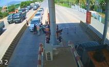 Xử phạt tài xế chạy ôtô ngược chiều, bẻ barie tại BOT Ninh Xuân