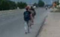 Xuyên đêm 'ứng cứu' 4 ngư dân đi bộ từ Ninh Thuận về quê Phú Yên tránh dịch