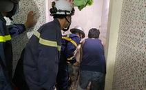 Thiếu niên 14 tuổi mất tích 2 ngày vì kẹt trong khe tường 2 nhà