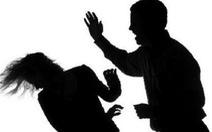 Vợ tố cáo bị chồng dùng dao chém liên tiếp vùng mặt và đầu