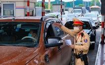 Chủ tịch Hà Nội chỉ đạo khẩn để giảm ùn tắc tại 22 chốt kiểm dịch